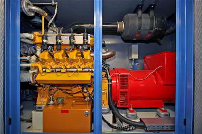 BHKW Biogas,  Liebherr-Motor, gasifiziert,  Biogas 330 kW elektrisch,  Copyright: Wolfgang Brettl