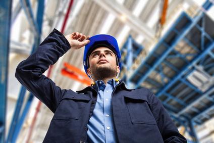 Energie Experte in Fabrik